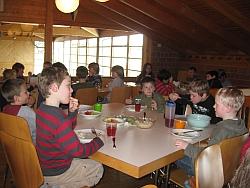 Foto: Gemeinsam beim Mittagessen